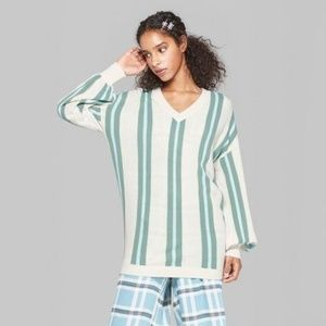 Wild Fable NWT Women/'s Striped V-Neck Vertical Tunic Pullover Sweater